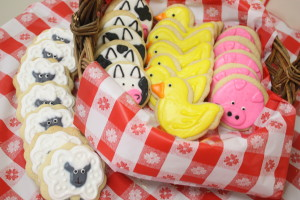 Barnyard birthday party farm animal cookies