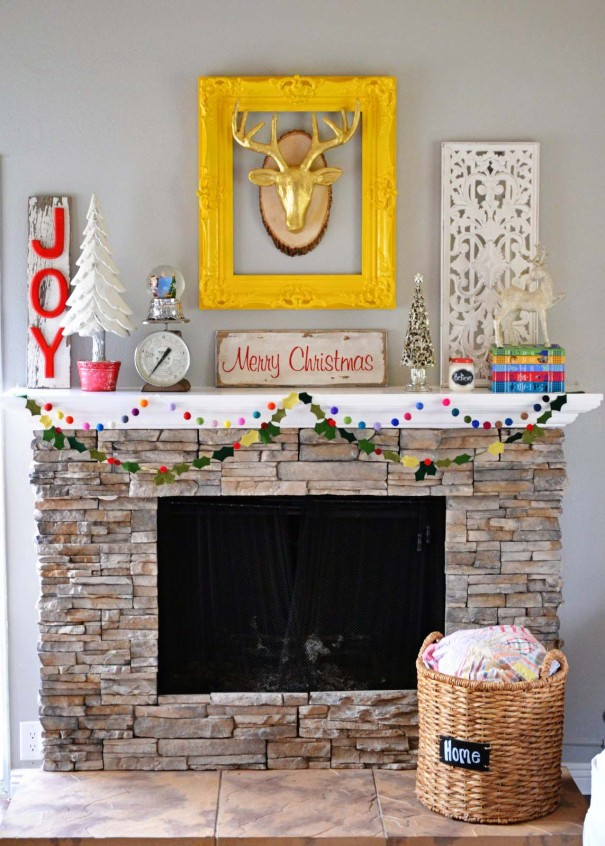 Christmas Mantle Roundup