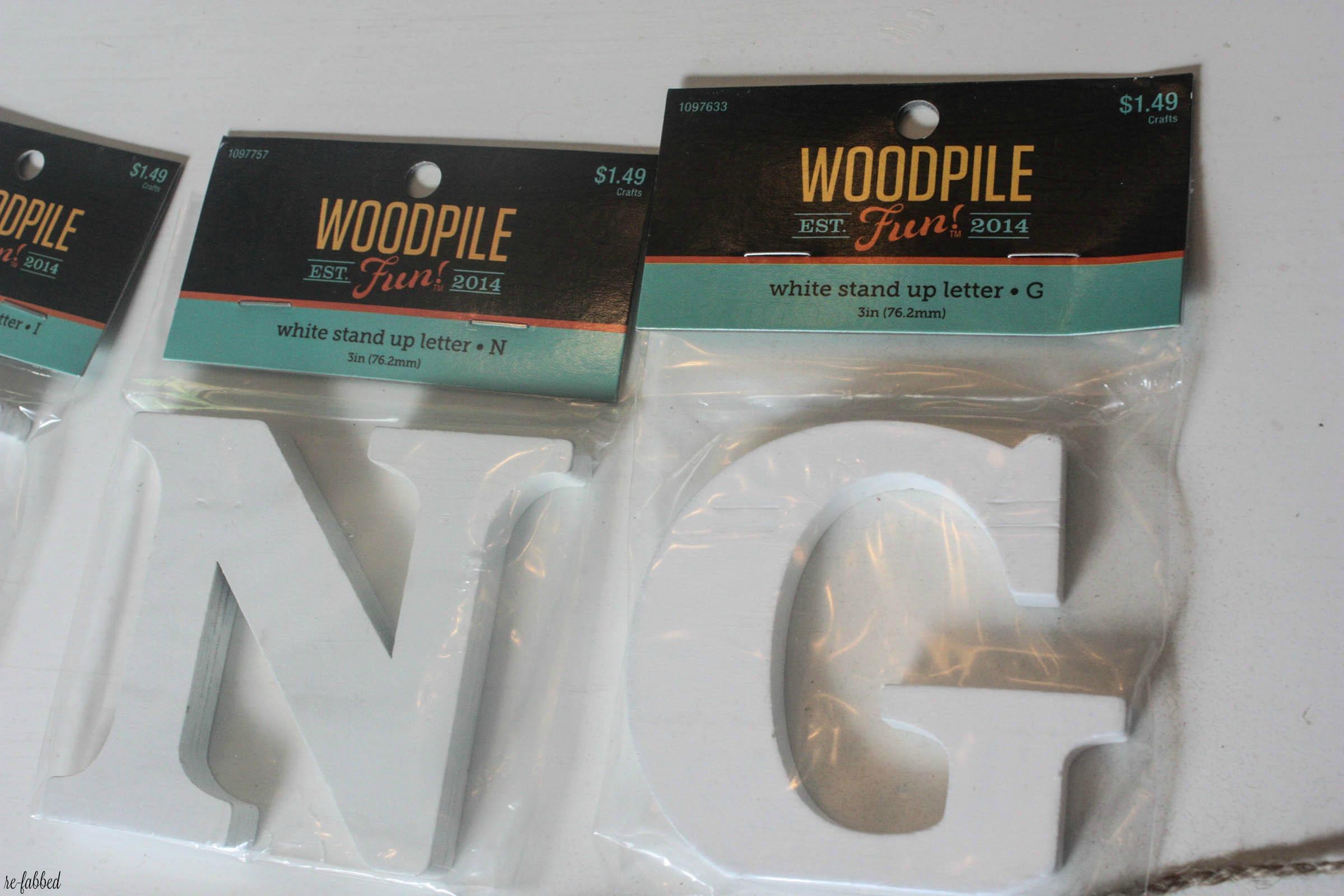 DIY Spring Pallet Sign wit Wood Slices