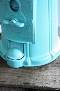 Aqua Gumball Machine with Eggs