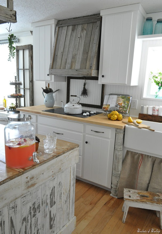 Farmhouse Kitchen Roundup