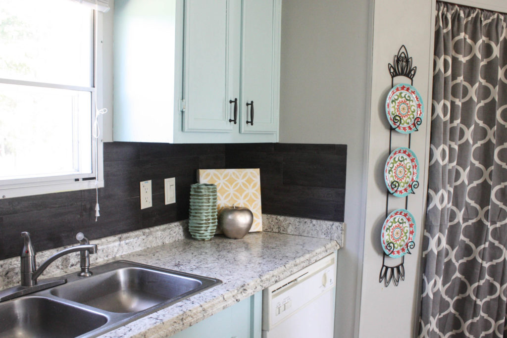 Our $40 Backsplash {Using Vinyl Flooring} - Re-Fabbed