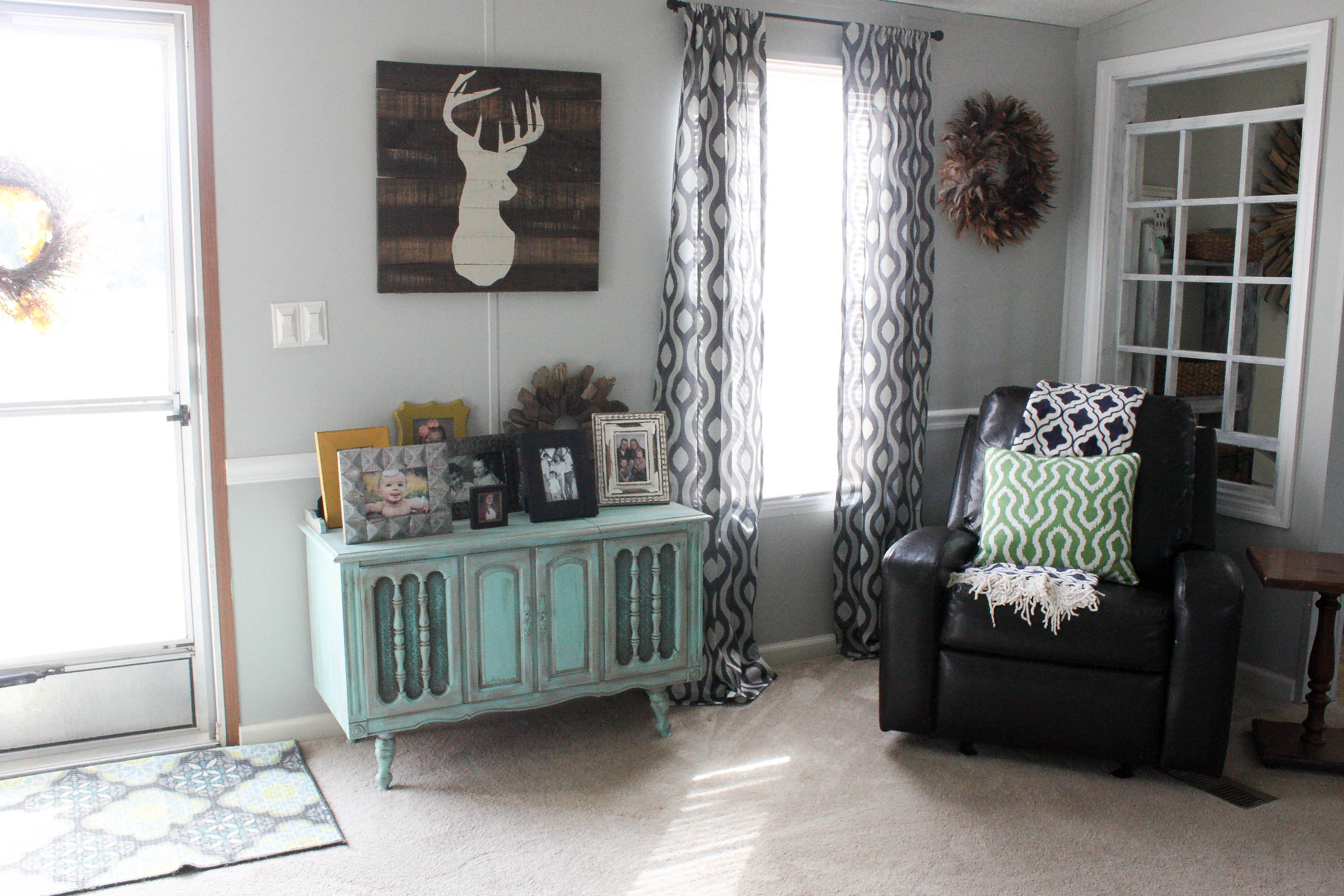 Mobile Home Living Room Reveal - Re-Fabbed