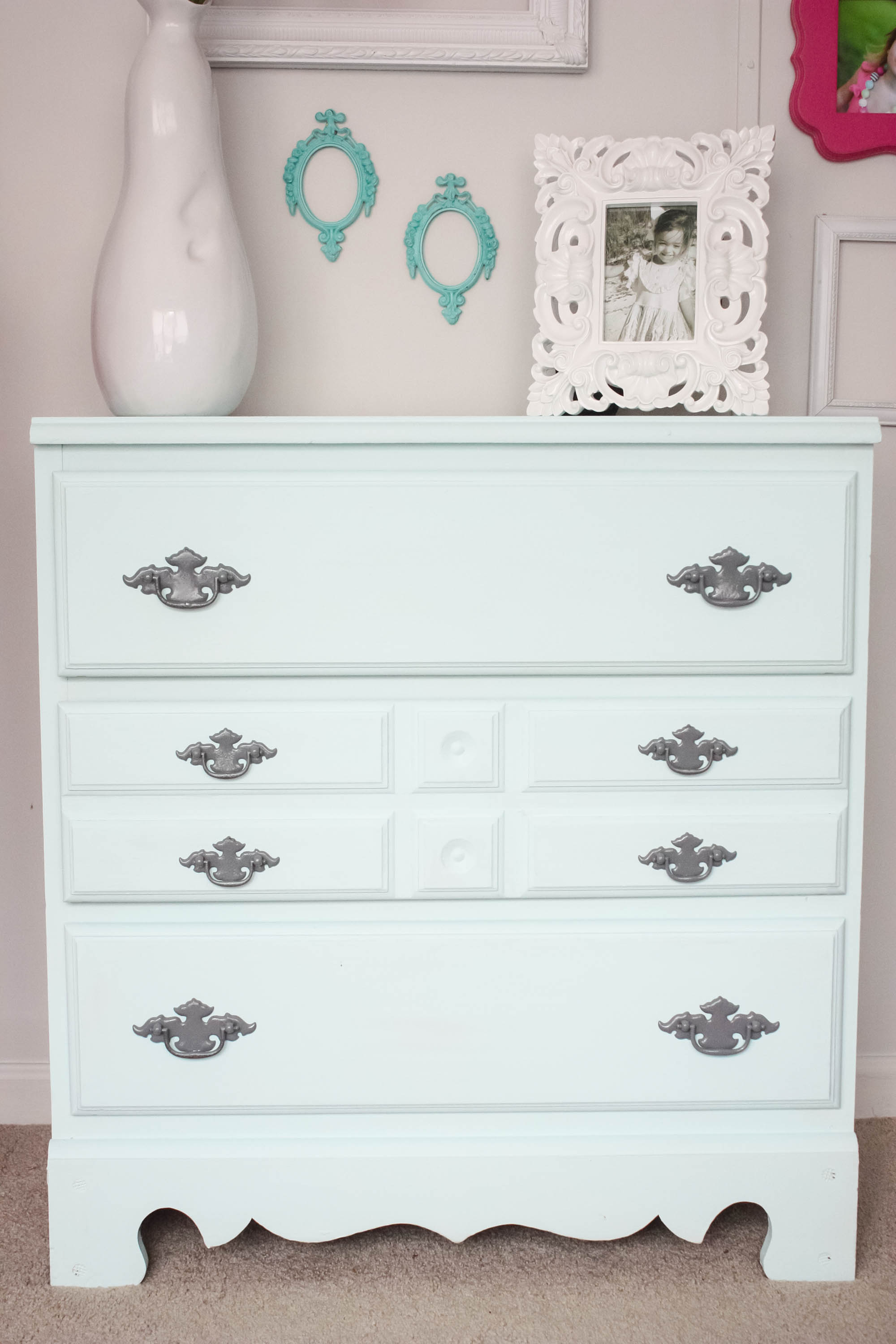 Little Girl's Small Chest Makeover with chalk paint and spray painted hardware