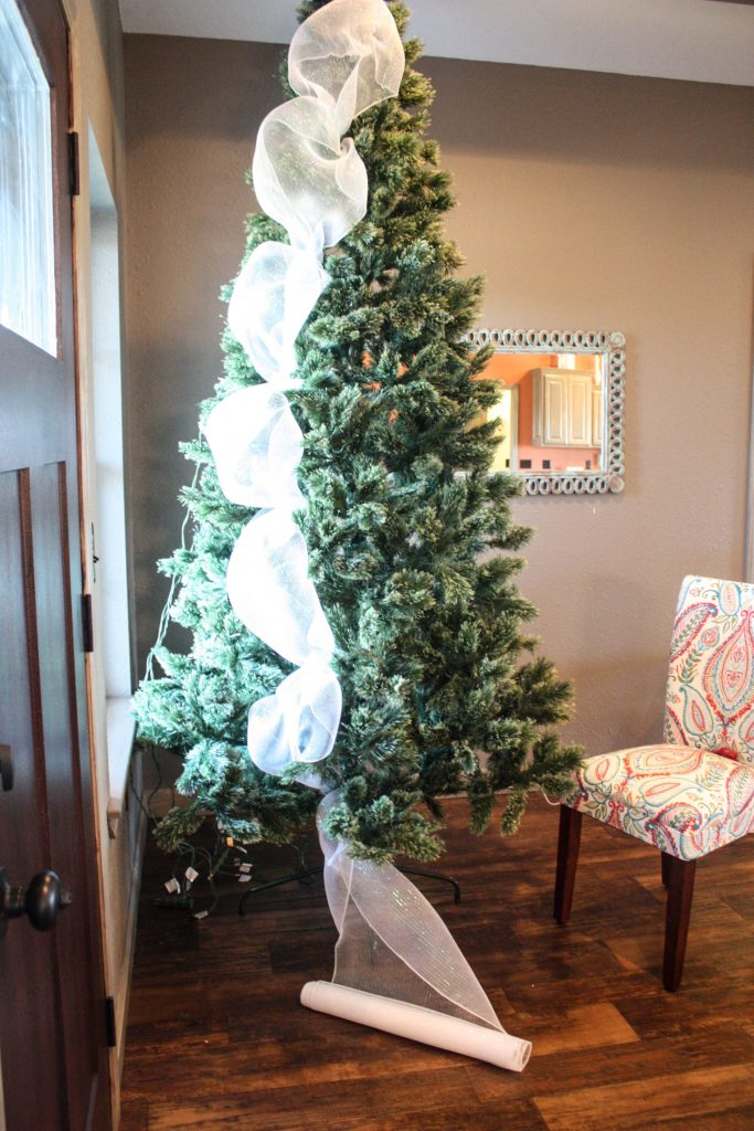 How To Decorate Small Second Living Room Off Of Kitchen: How To Decorate A Christmas Tree From Start To Finish {the