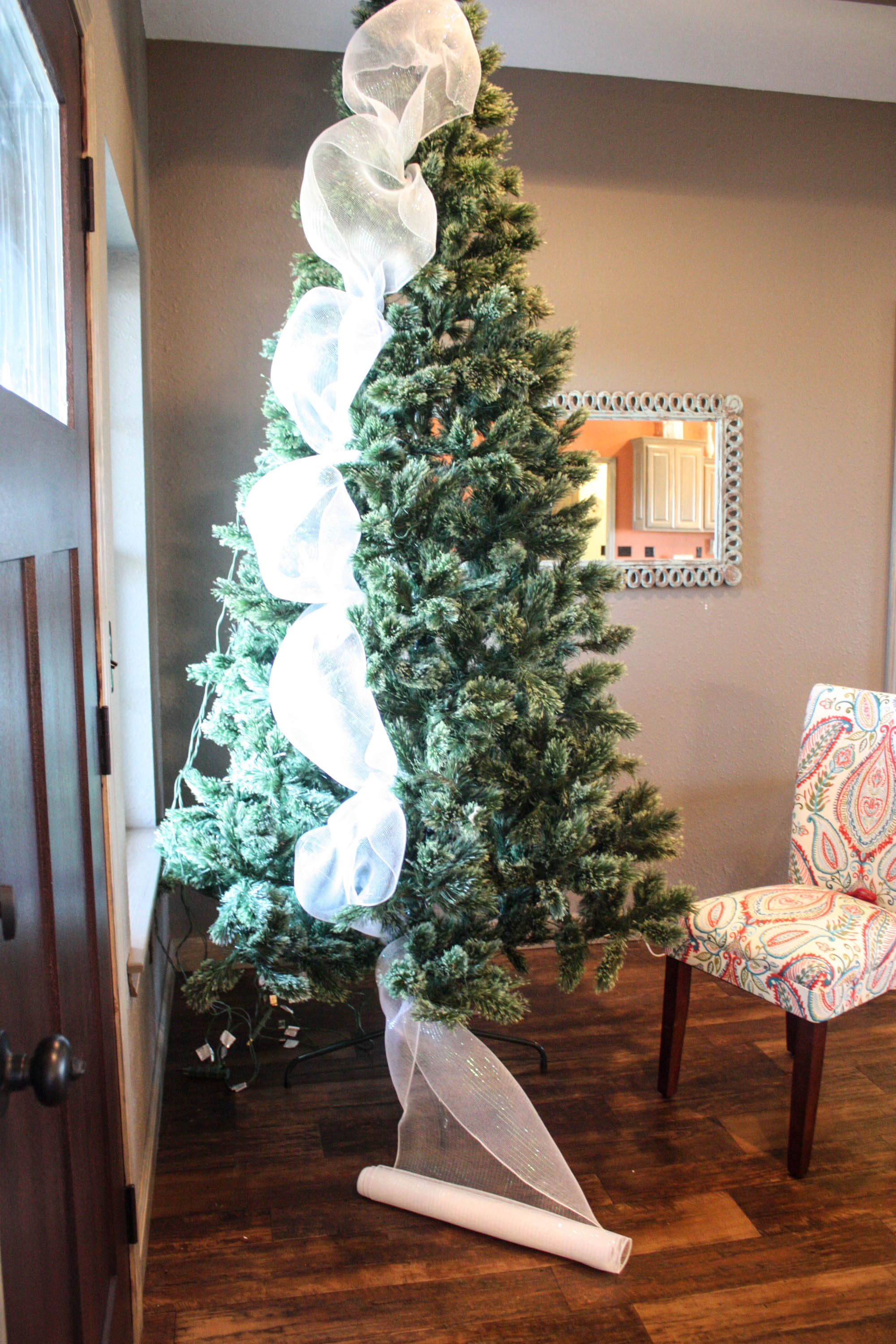 how to decorate a christmas tree the easy way step by step instructions