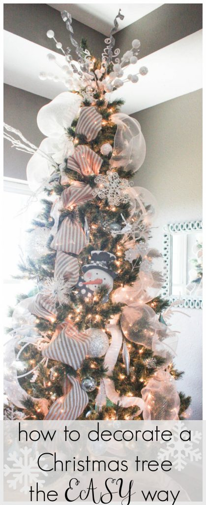 How to decorate a Christmas tree the EASY way! Step by step instructions to give you the most BEAUTIFUL tree! Click now for full instructions!