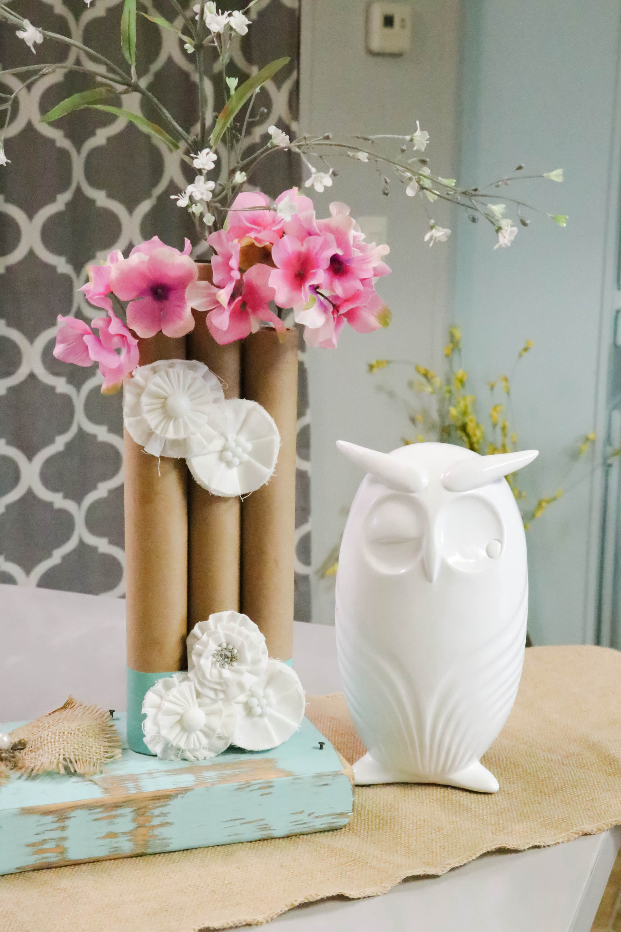 Paper towel roll vases re fabbed how to make a set of 3 paper towel roll vases easy and cheap diy izmirmasajfo
