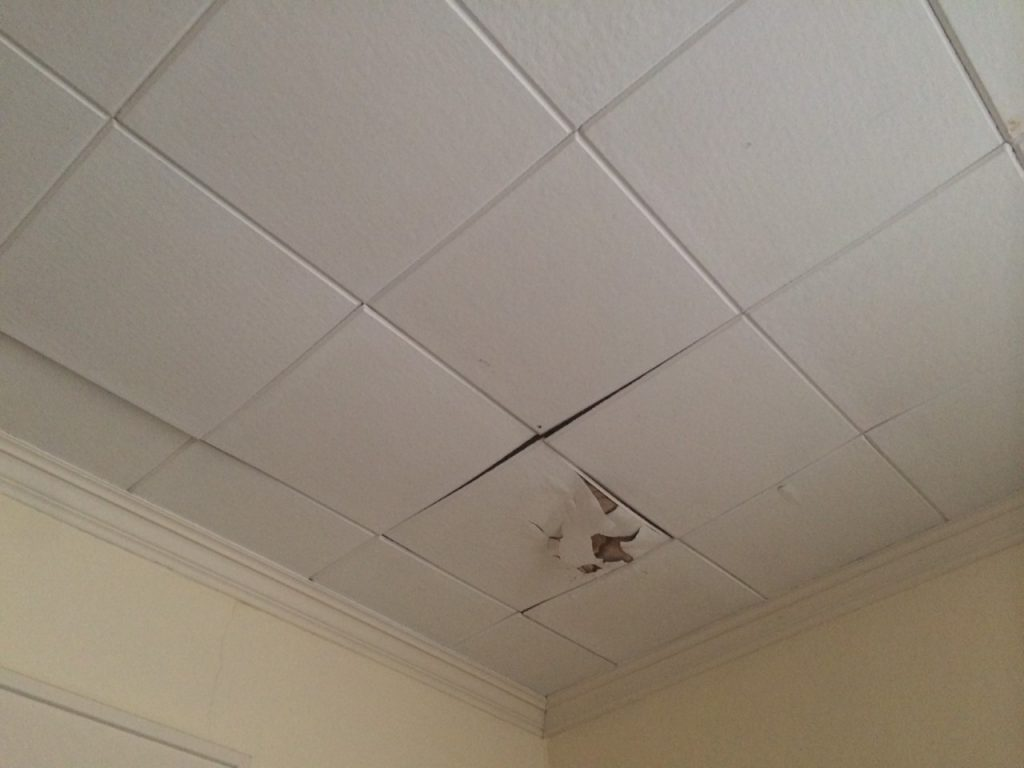 fixer upper home-ceiling-before