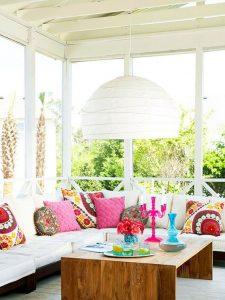 Gorgeous pink inspiration to incorporate into your outdoor decorating this Spring!