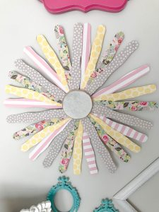 Super Easy DIY Popcicle Stick Wall Flower! Tons of possibilities for this one! FULL tutorial on her blog!