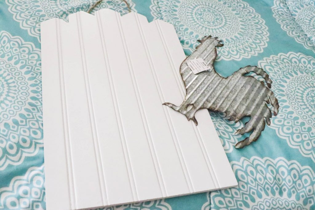DIY Beadboard Rooster Sign...a 5 minute and 5 dollar project that will add that perfect bit of farmhouse charm to your home!