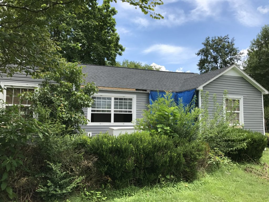 The major fixer upper referred to as the Cottage Charmer is really making profress! Starting to be on the home stretch now!