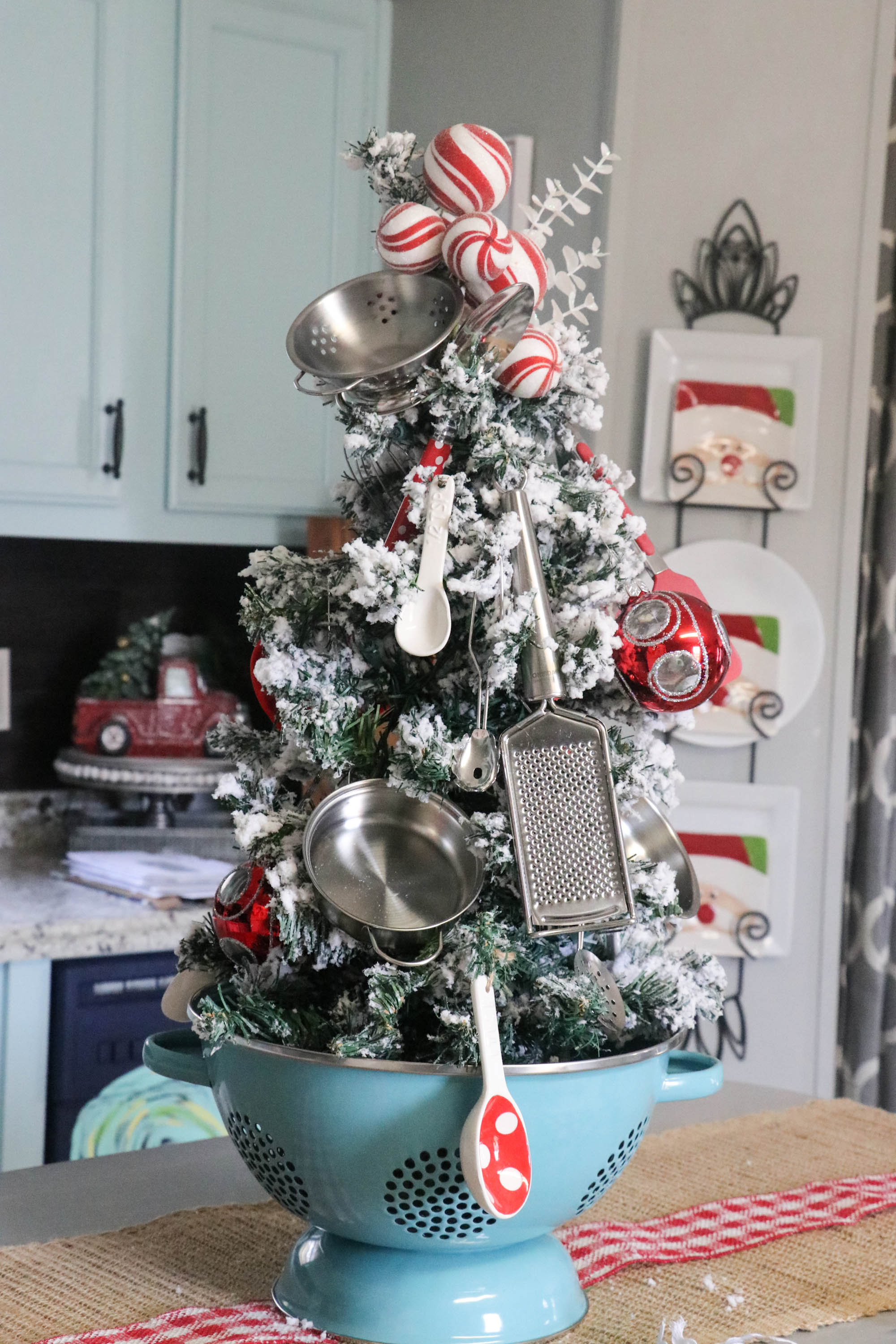 kitchen christmas tree ideas kitchen tree re fabbed 19322