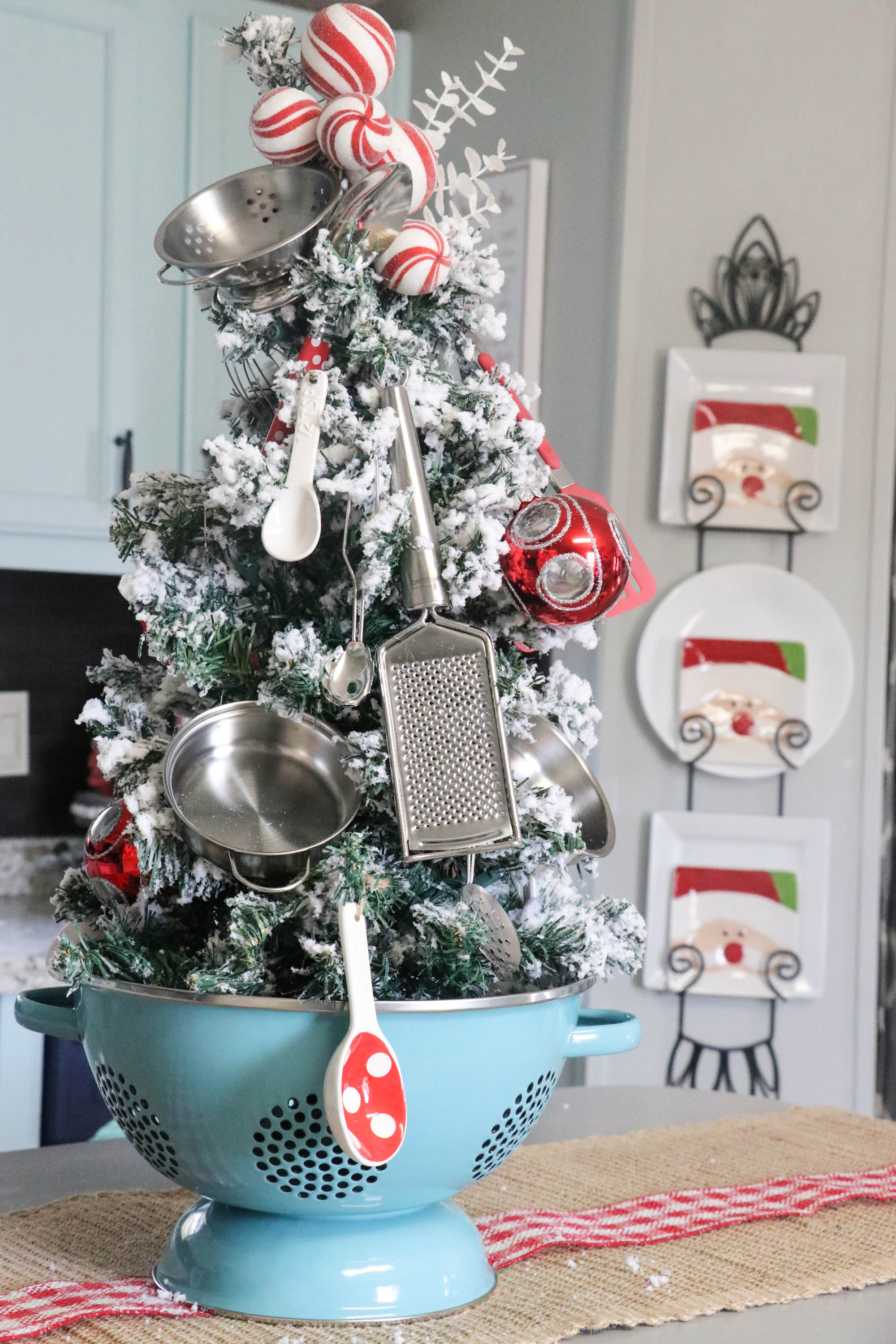 christmas home decor pinterest kitchen christmas tree re fabbed 10582