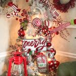 A Red and White Christmas Tree