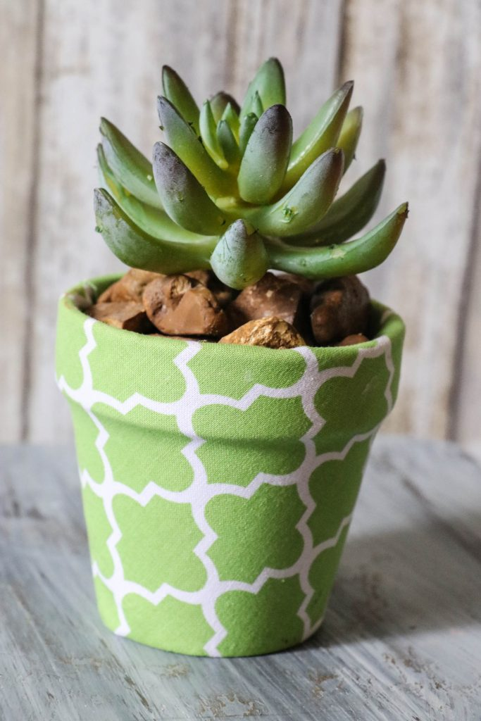 Super cute DIY Fabric Covered Flower Pots with Dollar Tree materials and cute little succulents! This is ADORABLE!!