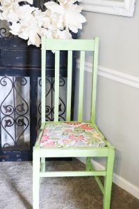 Super Easy DIY upholstery project for kitchen chairs!