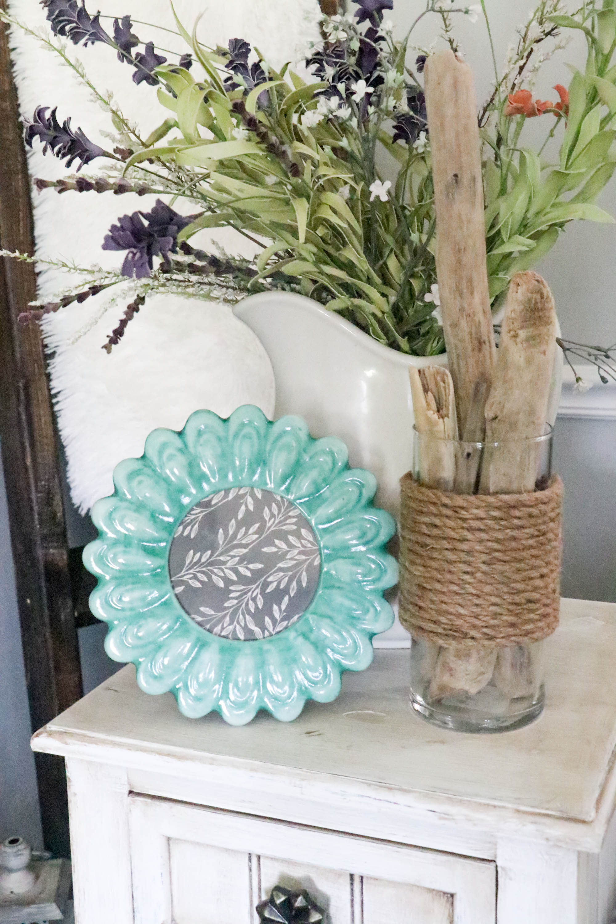 DIY Dollar Tree Rope Vase - A Nautical DIY you are sure to ...