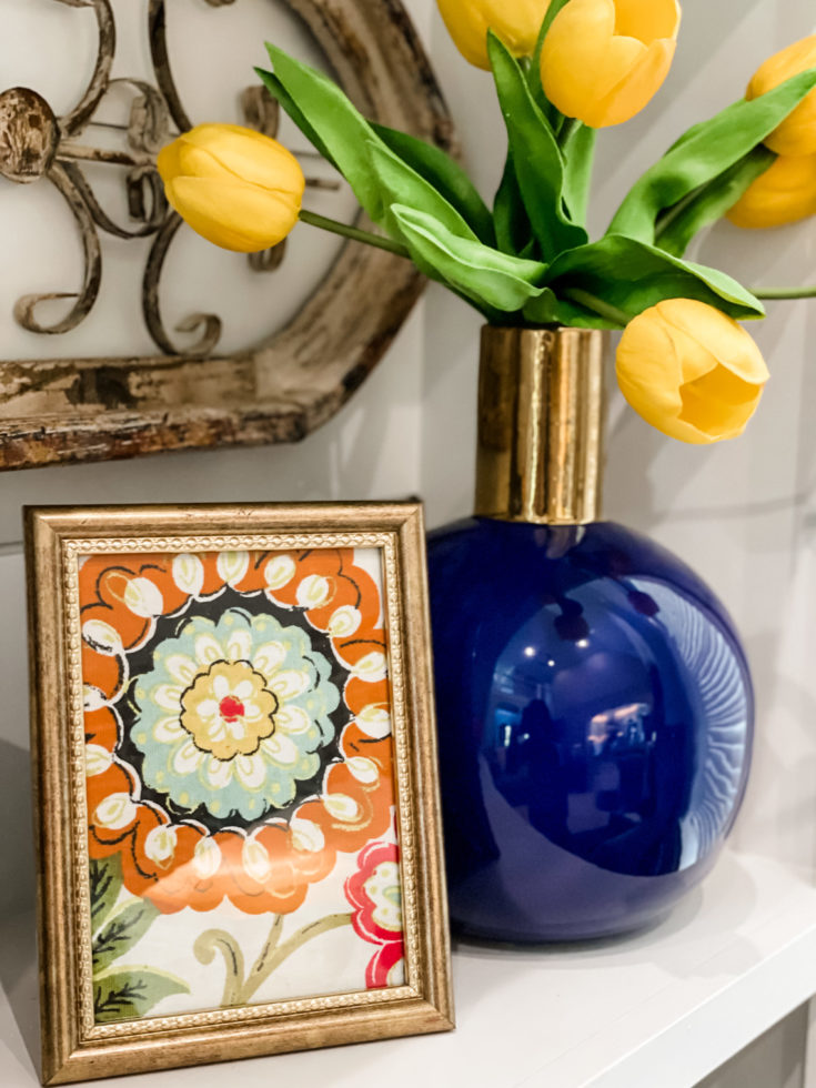 super easy dollar tree frame decor