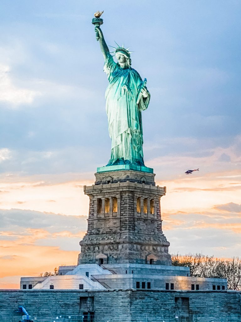 3 day trip travel guide to new york city - harbor lights cruise