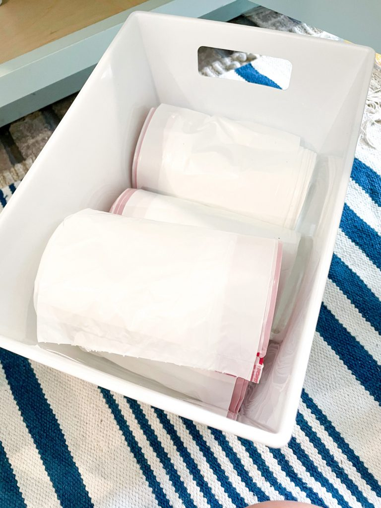 how to organize under the sink using items from the dollar tree
