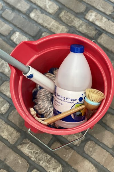 how to clean brick flooring - cleaning vinegar, bucket, hot water, mop, scrubber brush