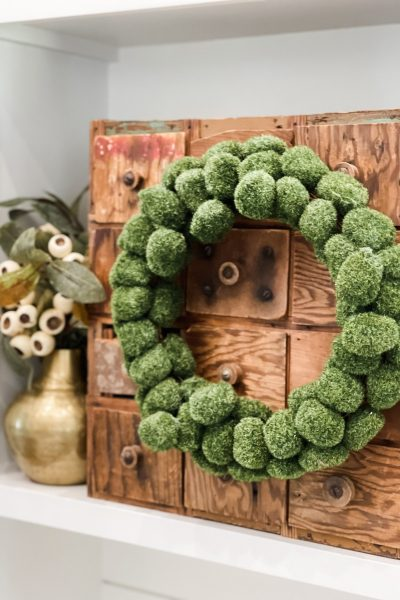 finished look of the moss ball wreath