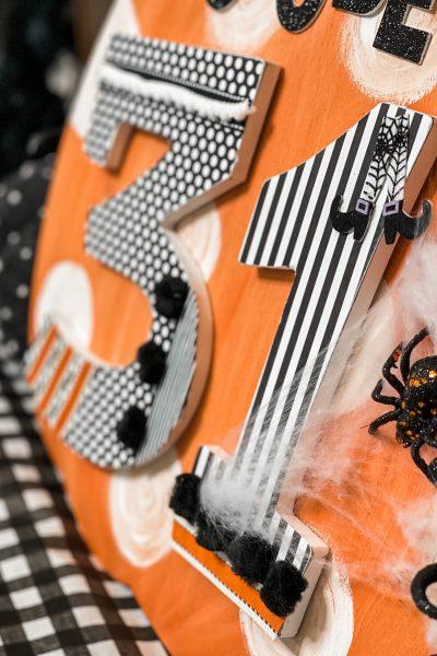 close up of the diy october 31 halloween sign