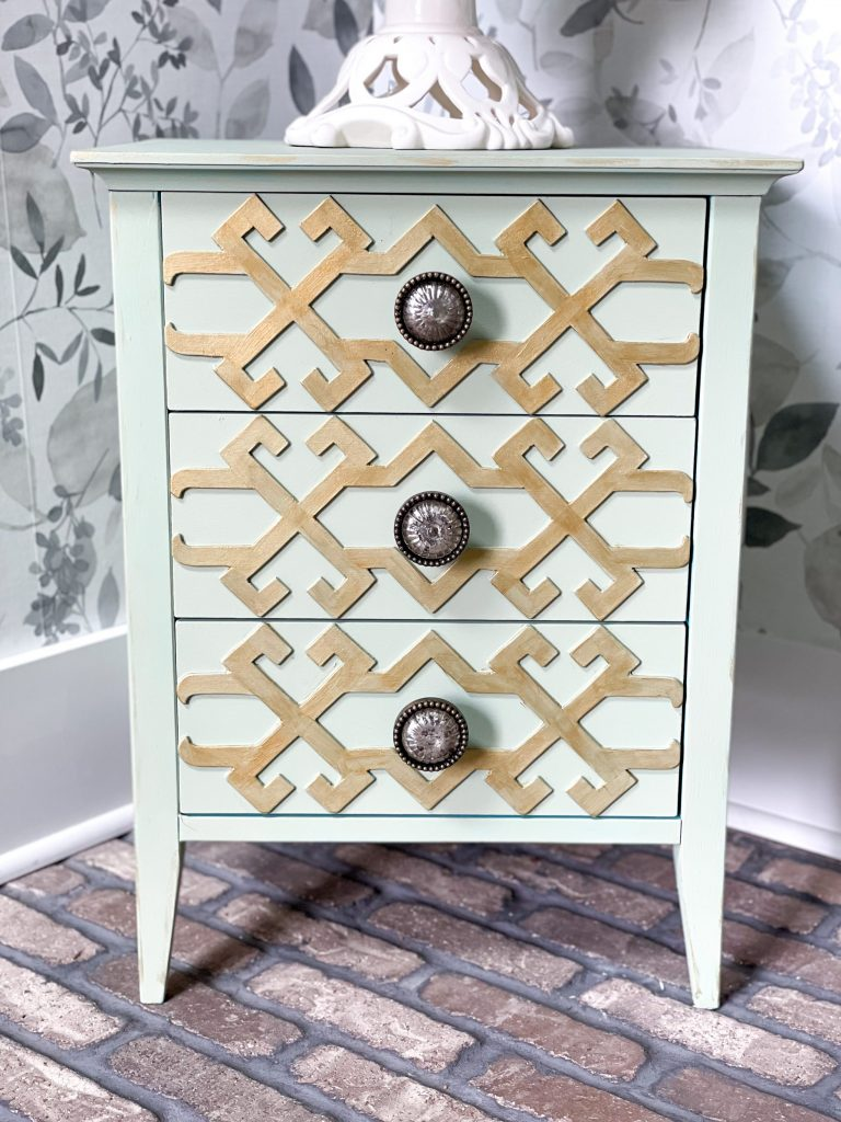 finished product of the cheap and easy side table makeover using chalk paint