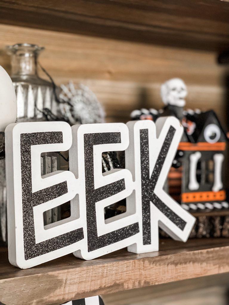 eek sign