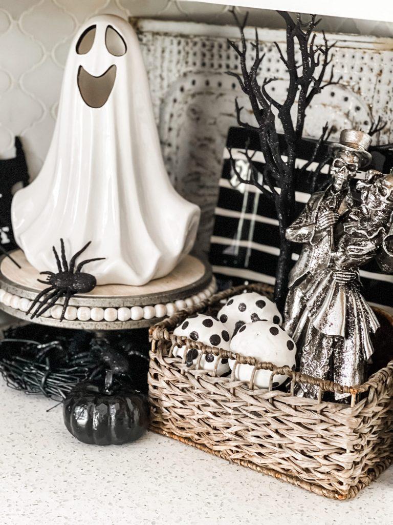 halloween decor in kitchen